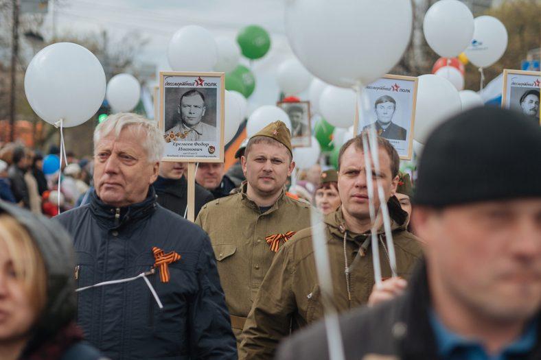 Колонна компании «Зуммер» участвовала в параде 9 мая