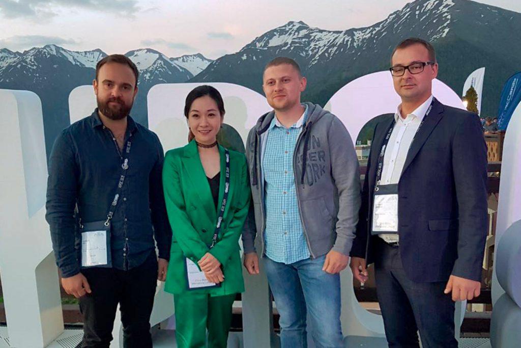 Представители ООО «Айхоум», China Mobile и ООО «Зуммер»